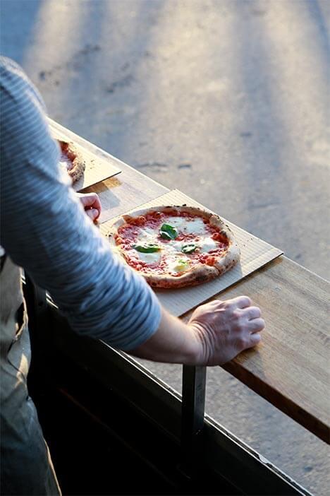 Marra Forni Mobile Brick Oven NO.900 Pizzeria Napolitaine Pizza